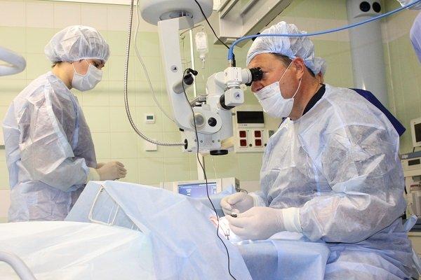 операция на глазах при диабете
