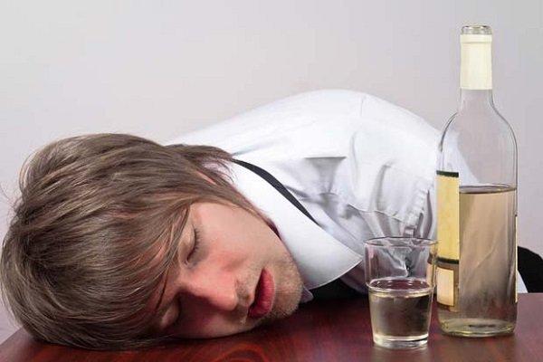 Мужчина решил, что можно употреблять алкоголь при сахарном диабете и напился!
