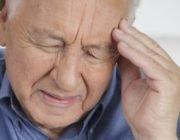 Болит голова при сахарном диабете: причины и что делать?